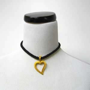 heart choker . with extension chain and faux pearl